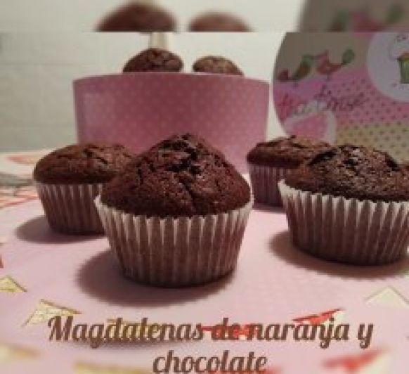 Magdalenas de naranja y chocolate