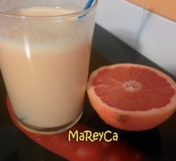 Zumo de piña y pomelo Thermomix® , recetas Thermomix®