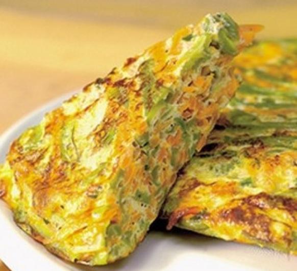 Tortilla de verduras y queso
