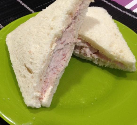 Pasta de jamón y queso